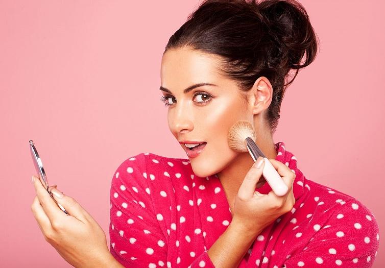 Как нанести правильный макияж для фотосессии