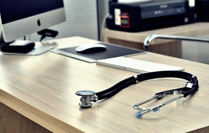stethoscope-doktor-rasskaz